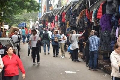 Comerciantes de CDE piden ampliación de horario de ingreso de turistas
