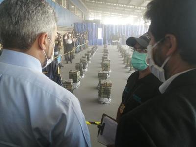 Aún faltan inspeccionar nueve contenedores, de los once que forman parte de la histórica incautación de cocaína
