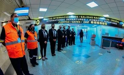HOY / Reinician vuelos comerciales tras la reapertura de los aeropuertos
