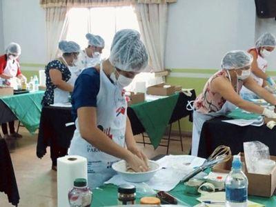 Microempresarias aprenden a elaborar postres a base de yerba mate