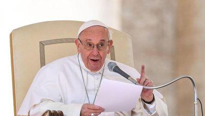 """Papa Francisco: """"Las personas homosexuales tienen derecho a estar en una familia. Son hijos de Dios»"""