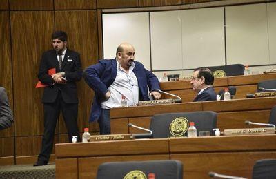 El diputado Édgar Ortiz pidió revocar la pérdida de investidura de Amarilla y Bajac