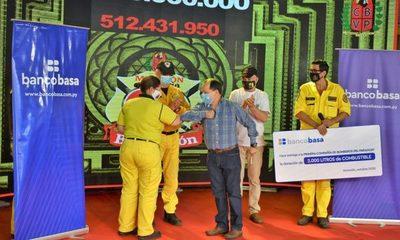 Banco Basa dona 2.000 litros de combustible a los bomberos