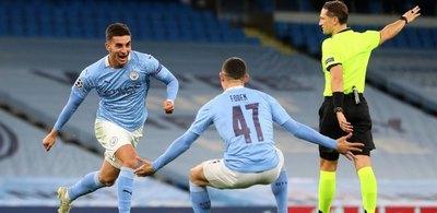 Manchester City remontó y salió victorioso ante el Oporto