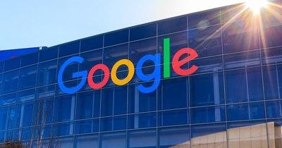 """La Nación / EEUU demanda a Google por """"monopolio ilegal"""""""