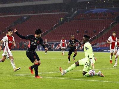 El Liverpool conquista Ámsterdam