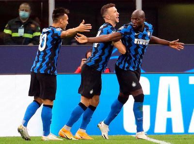 Lukaku evita la caída del Inter