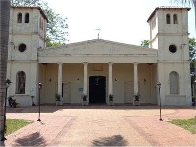 Queman imagen de virgen en iglesia de San José de los Arroyos