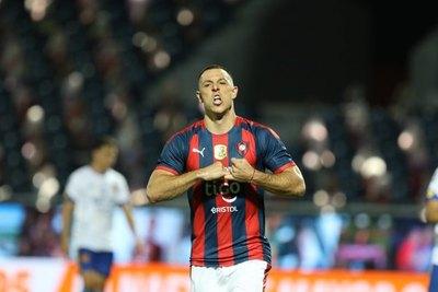 Crónica / Loperro se despiden de Churín con lágrimas y aplausos virtuales