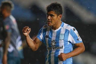 Con goles paraguayos, Racing festeja ante Estudiantes de Mérida