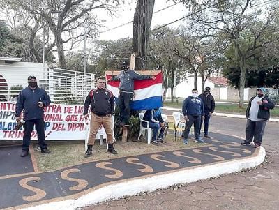 Denuncian persecución sindical en Itaipú y anuncian huelga de hambre