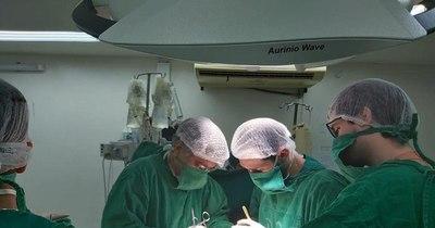 La Nación / Joven que sufría miocarditis en estado terminal recibió trasplante