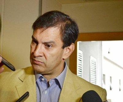 Senador Ovelar dio positivo al covid-19 y está internado