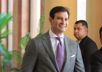 Silvio Ovelar dio positivo al COVID-19 y está internado
