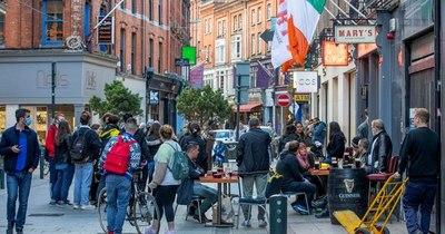La Nación / Irlandeses se convierten en los primeros reconfinados de Europa