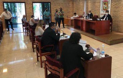 CDE: concejales violan ordenanza para trabar recuperación de vereda