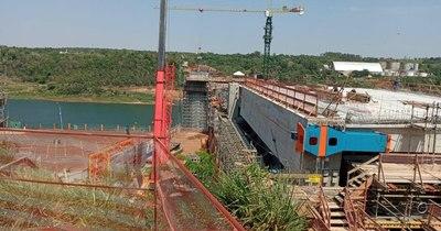 La Nación / Comenzó montaje de primera viga del segundo puente con el Brasil