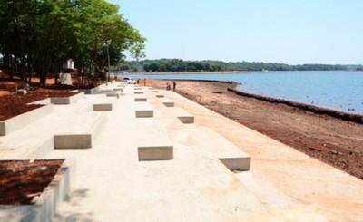 Avanza playa escalonada de la futura costanera de CDE