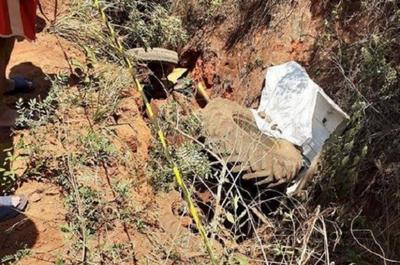 Fallece un hombre tras caer con un tractor por un barranco