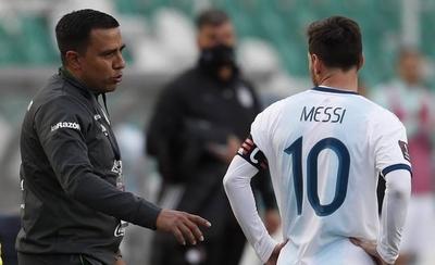 HOY / Farías no piensa renunciar a Bolivia tras la doble derrota en Eliminatorias