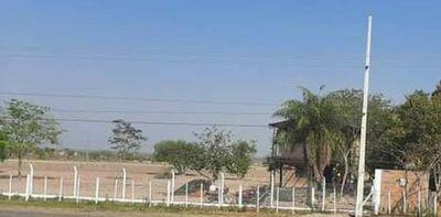 Benjamín Aceval: Vecinos denuncian que militar retirado se apoderó de una calle, pero este lo niega