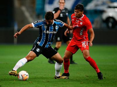 Inter y Gremio pasan a los octavos