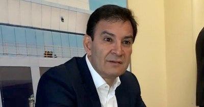 La Nación / Senador Silvio Ovelar, internado por covid