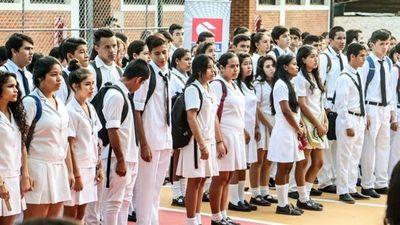 Salud propone retorno a clases presenciales para alumnos del último año