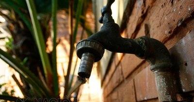La Nación / Pobladores del Bañado Sur denuncian falta de agua en la zona