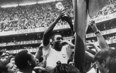 HOY / Pelé, 80 años del rey que conquistó el olimpo del fútbol