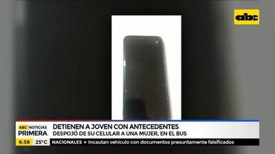 Joven detenido tras robar un celular en transporte público