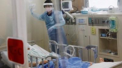 Descubren un síntoma de aparición tardía en los pacientes que se recuperaron del covid-19