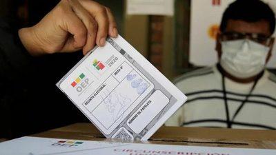 Bolivia: resultados definitivos dan la victoria a Arce con 55,1 % de los votos