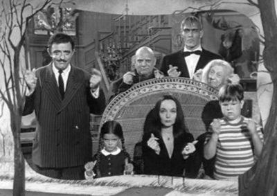 Tim Burton con la mirada en La familia Addams