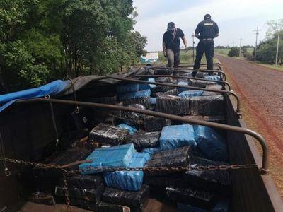 Cae narcocamión en Itapúa y detienen a 3 personas