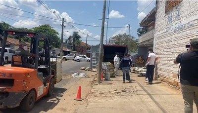 Crónica / Escalofriante: encuentran cuerpos en estado de descomposición en un contenedor