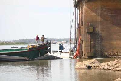 Aguatera estatal culmina instalación de 11 bombas en el río Paraguay para garantizar servicio