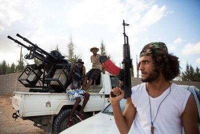 Gobierno y Parlamento libios firman un alto el fuego permanente