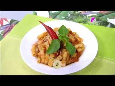 Mostacholis en salsa arrabiata