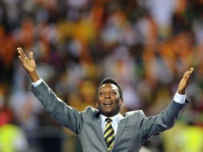 El mundo del fútbol se rinde ante el rey Pelé en su cumpleaños 80