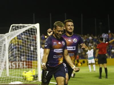Después de 31 años, Sol de América mide a un equipo chileno