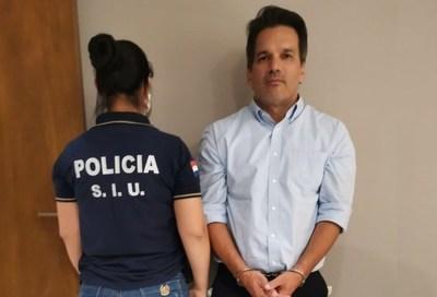 Esposa de Turrini aclara que no tiene nada que ver con los negocios del marido