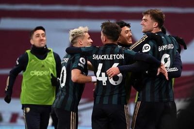 El Leeds frena con goleada al Villa y se mete en la discusión
