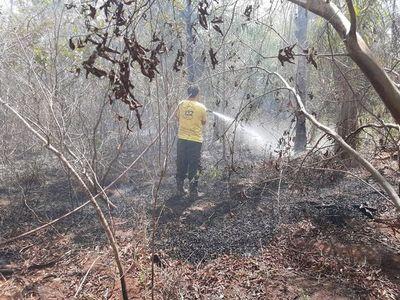 Nuevo incendio en predio contiguo puso en jaque al Hospital Nacional de Itauguá