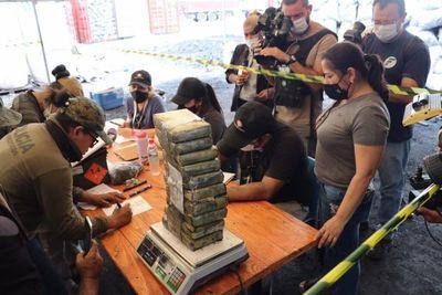Villeta: fueron hallados más panes de droga oculta en contenedores
