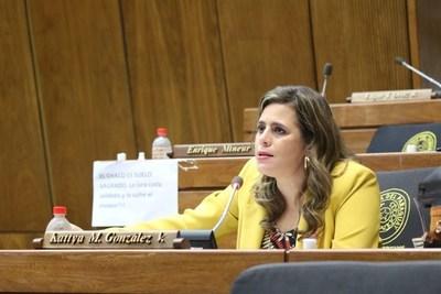 Fiscalía debe aclarar audios de Sixto Pereira sobre conflicto de tierras, dice diputada