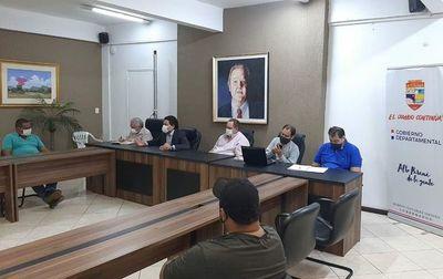 """""""Hastapara comprar una lechuga en Alto Paraná, debemos tener el permiso de Asunción"""", dice Gobernador"""