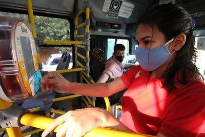 """Crónica / BILLETAJE EN MICROS: Los """"sin-tarjetas"""" canjearon su pasaje he'i"""