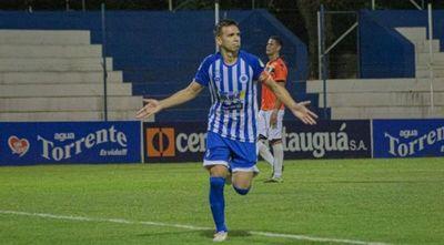 Marca doblete y sube a 107 goles en el fútbol paraguayo