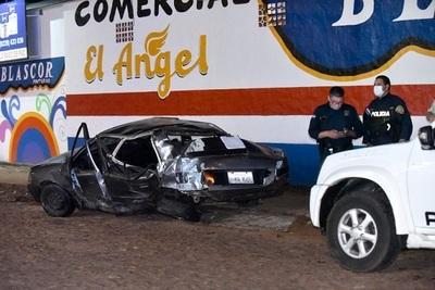 Vuelco en Capiatá deja tres heridos y daños materiales